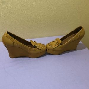 Jeffrey Campbell Alison Loafer Wedge size 9 tan